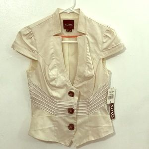 XOXO ivory blazer size small (juniors) new w/tags
